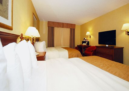 Clarion Hotel Milwaukee Two Beds