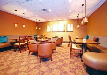 Clarion Hotel Milwaukee Airport Restaurant