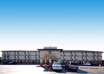 QUALITY INN & SUITES DETROIT AIRPORT (DTW)