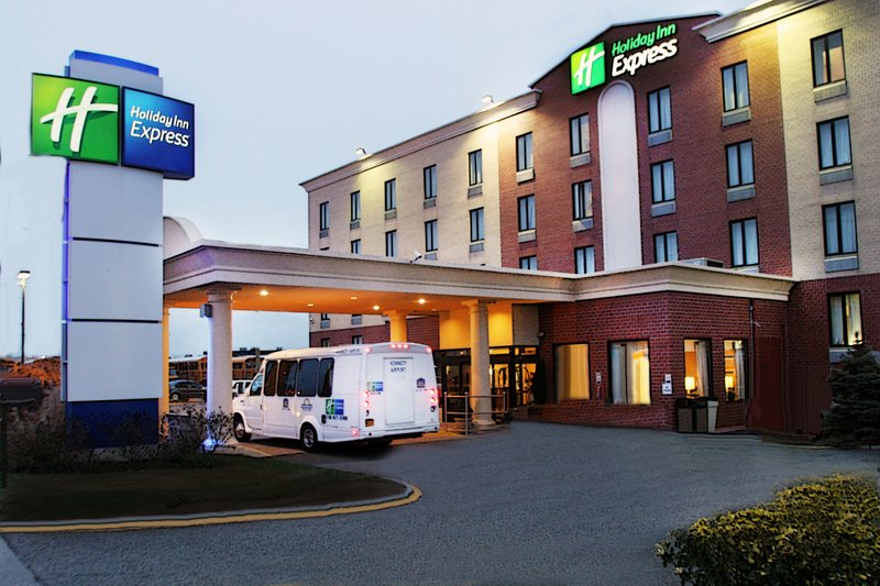 Kennedy airport parking jfk airport hotels park and for Hotels closest to jfk airport